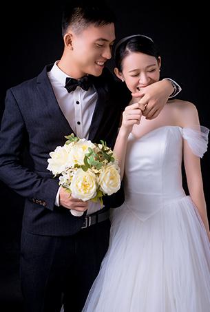 深圳婚纱摄影时尚唯美内景婚纱照
