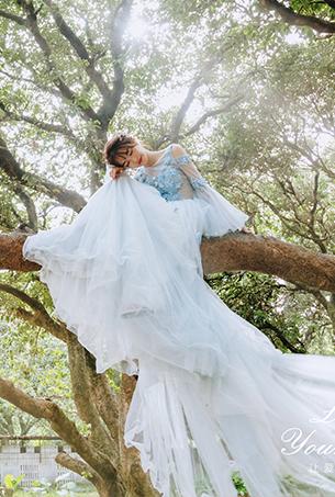 林中漫步的仙子新娘,唯美婚纱,这就是爱情的样子吧!