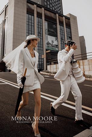 深圳蒙娜丽莎婚纱摄影原创客照作品《寻你·城市中》都市街拍风
